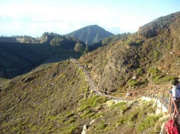 Jalur di Gunung Kelimutu