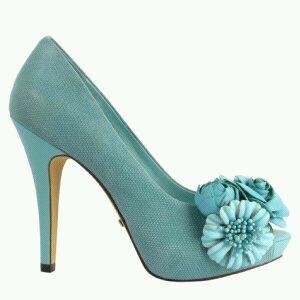 Blue flower pump shoes