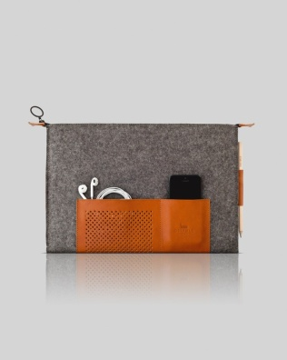 """Retro wool felt and leather case for laptop in 13"""""""