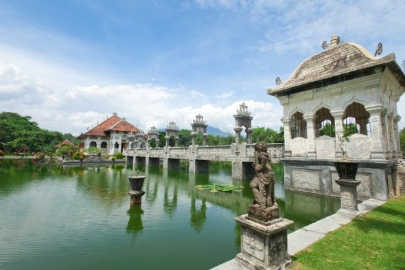 KARANGASEM : Taman Ujung Water Palace is located in Karangasem was built in 1919 and is the royal baths. With an area of ​​approximately 1.2 hectares, we can see the beauty of Mount Agung on the top of this hill top park. Karangasem is about 85 km from Ngurah Rai Airport.